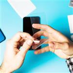 چه نوع محافظی برای صفحه نمایش گوشی موبایلمان مناسب است؟